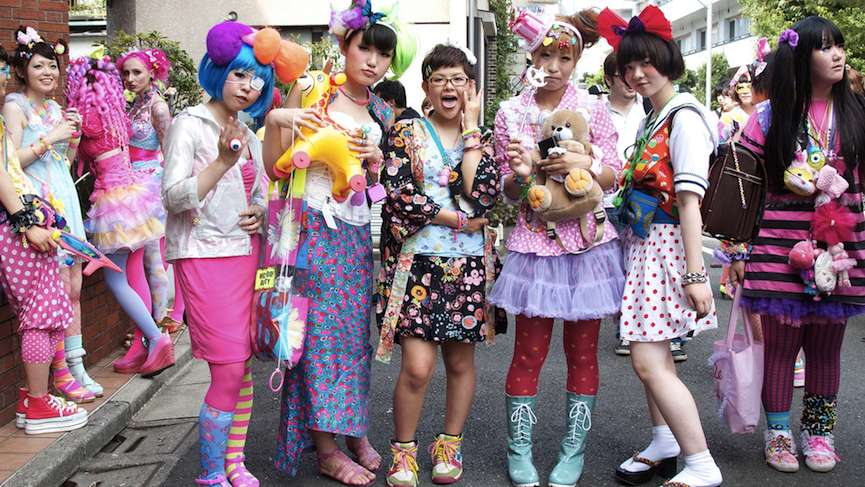 Kawaii fashion on the streets of Harajuku in 2010 via mediumcom