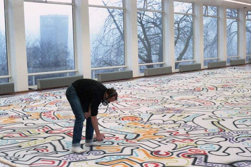Keith Haring at work in the Stedelijk