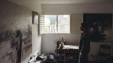 Kim Cogan in the studio, by Shaun Roberts
