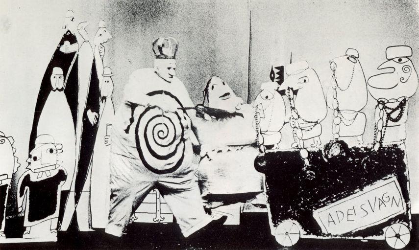 avant garde art movement in theater
