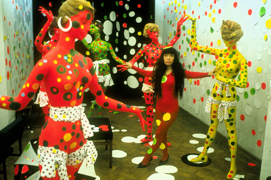 Kusama at Orez, 1965 © Harrie Verstappen. Yayoi Kusama, popular for her polka dots