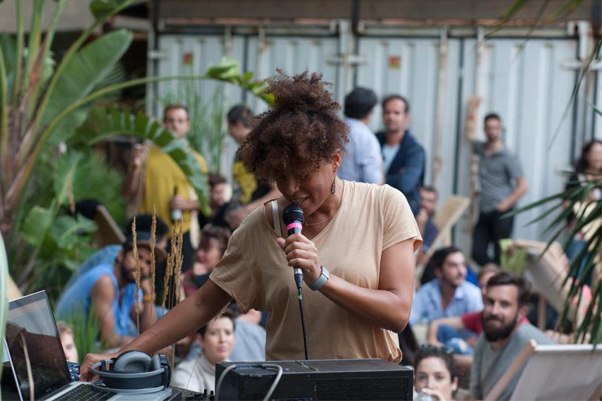 Isabel Lewis, occasion, 2015. © Tanz im August/HAU Hebbel am Ufer. Photo: Vitali Wagner, 2015