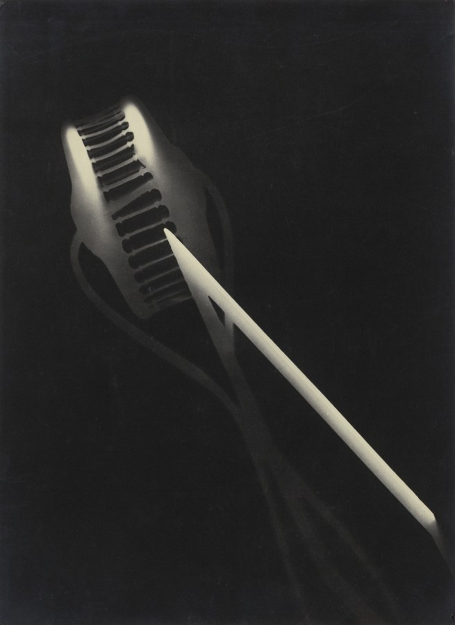 Laszlo Moholy-Nagy-Photogram-1928