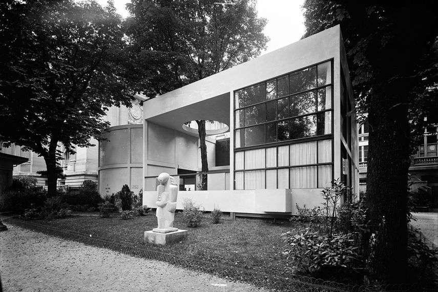 Le Corbusier - Pavillion of L'Esprit Nouveau, 1925 - image via lesartsdecoratifs