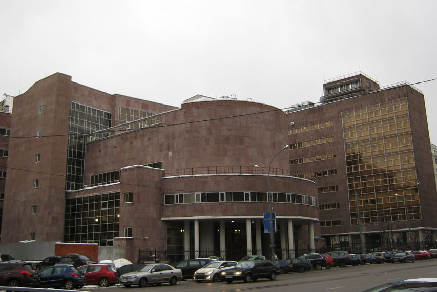 Le Corbusier - The Tsentrosoyuz building, 1926-33 - image via wikimedia
