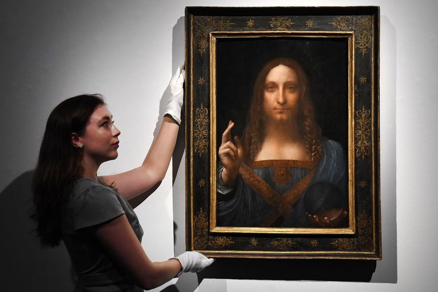 Salvator Mundi, in the center of the arts auction events news