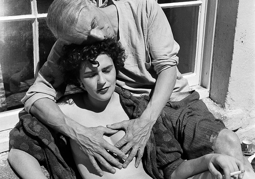 Leonora Carrington with Max Ernst, 1937 - Photo Credits Lee Miller