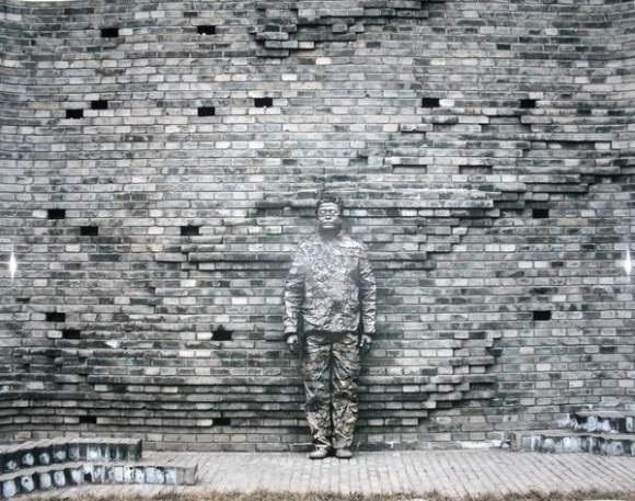 Liu Bolin-Camouflage-2008