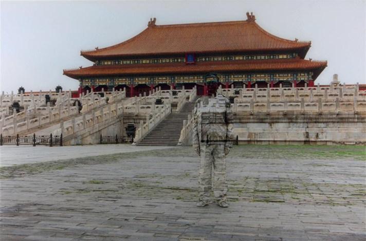 Liu Bolin-Hiding in the City No.89, Forbidden City-2010