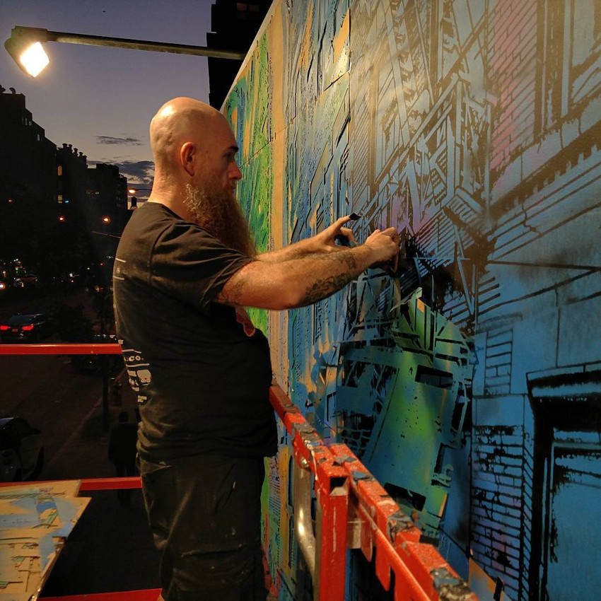 Logan Hicks working on Story Of My Life, New York, 2016 - photo credits Tom Akerman