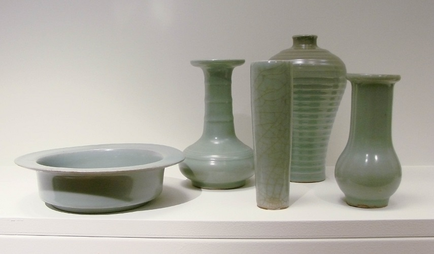Great Chinese pottery work with green glazes