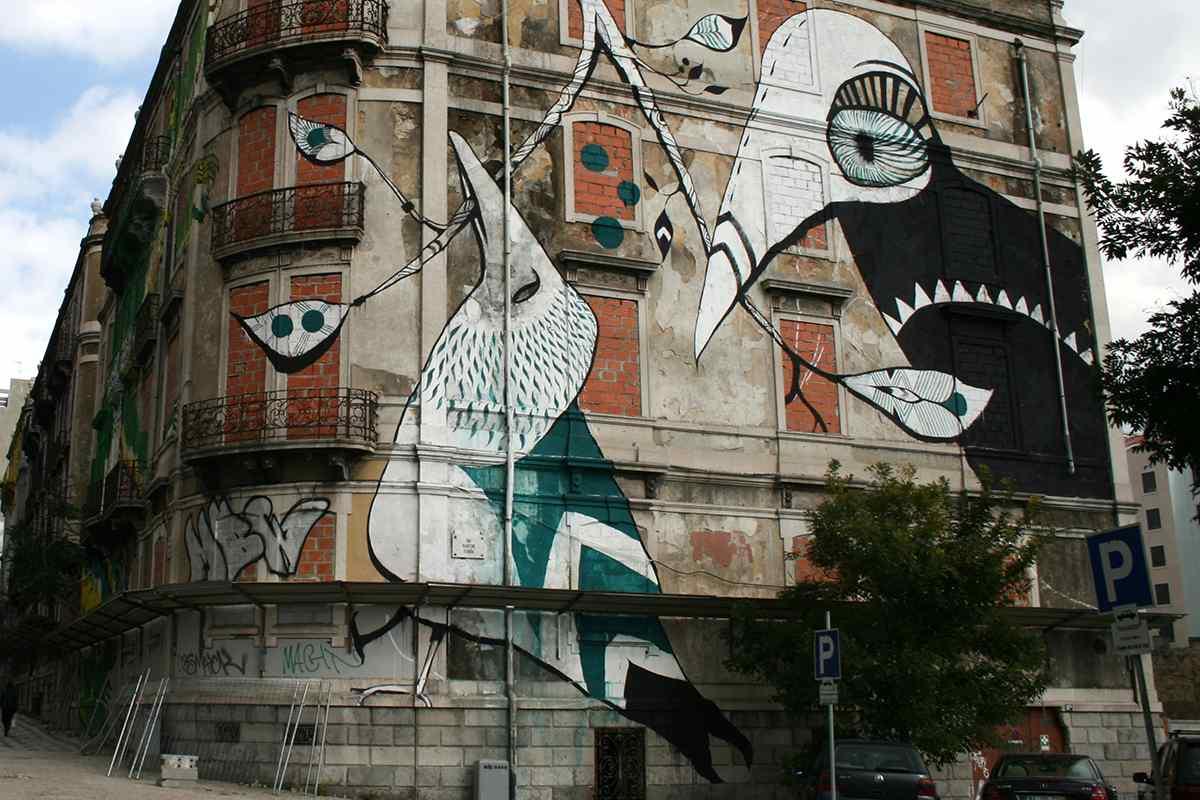 urban art bird mural