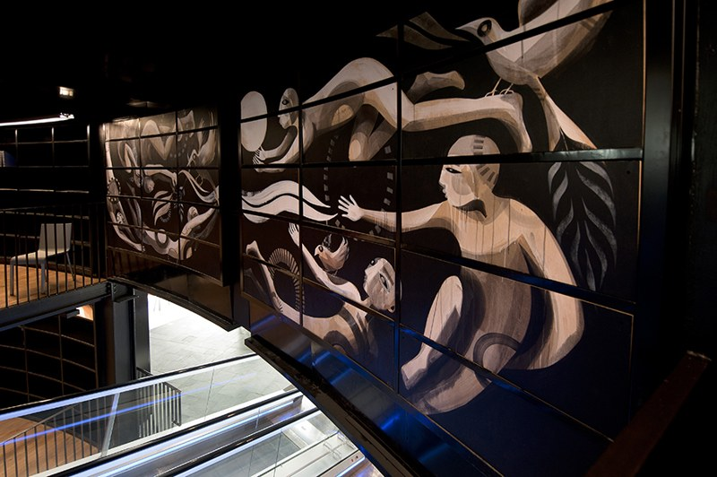 Lucy McLauchlan - Book Rotunda at Birmingham Central Library, 2013