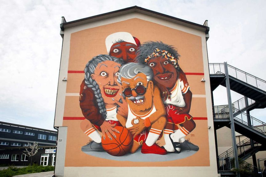 Marina Capdevila - All in All Win, Bergamo. Image via streetartnews.com