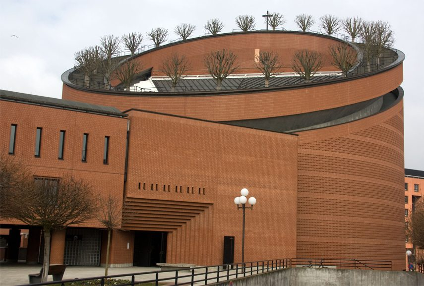 Mario Botta, the postmodernist - Evry Cathedral, Evry, France, 1996. Two post modern architects Robert Venturi and Michal Graves house. Sometimes an early architect built buildings above graves . Portland is considered the building center of architects
