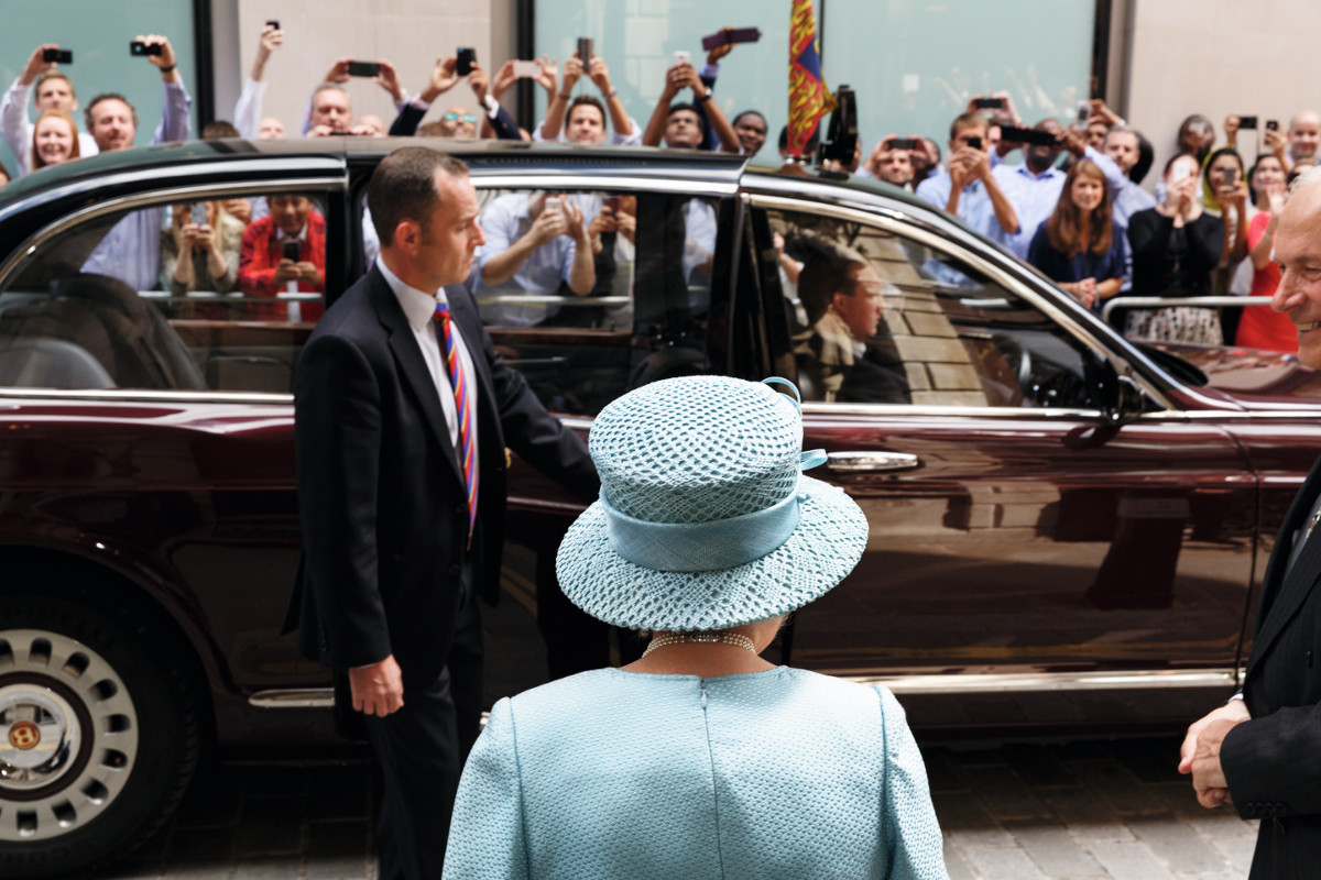 The Queen visiting the Livery Hall of the Drapers' Livery Company for their 650th Anniversary, the City of London, London, England, 2014, Parr's arts