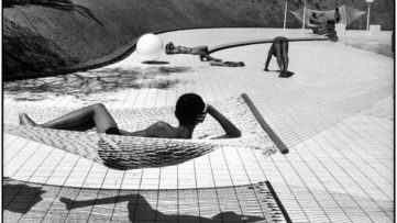 Martine Franck - Swimming Pool Designed by Alain Capeilleres, Le Brusc, Var, France, 1976