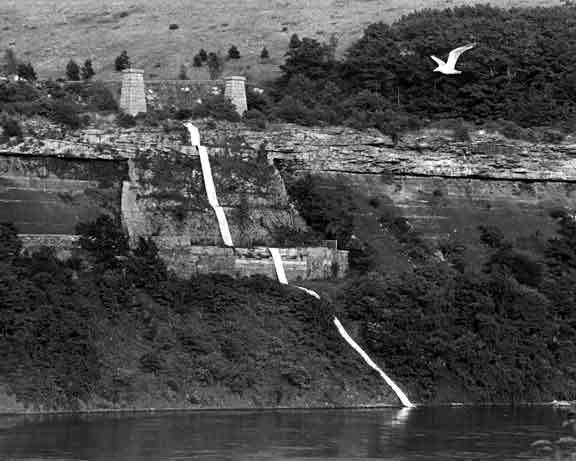 Michelle Stuart - Niagara Gorge Path Relocated, 1975