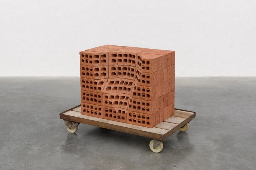 Mona Hatoum - A pile of bricks III