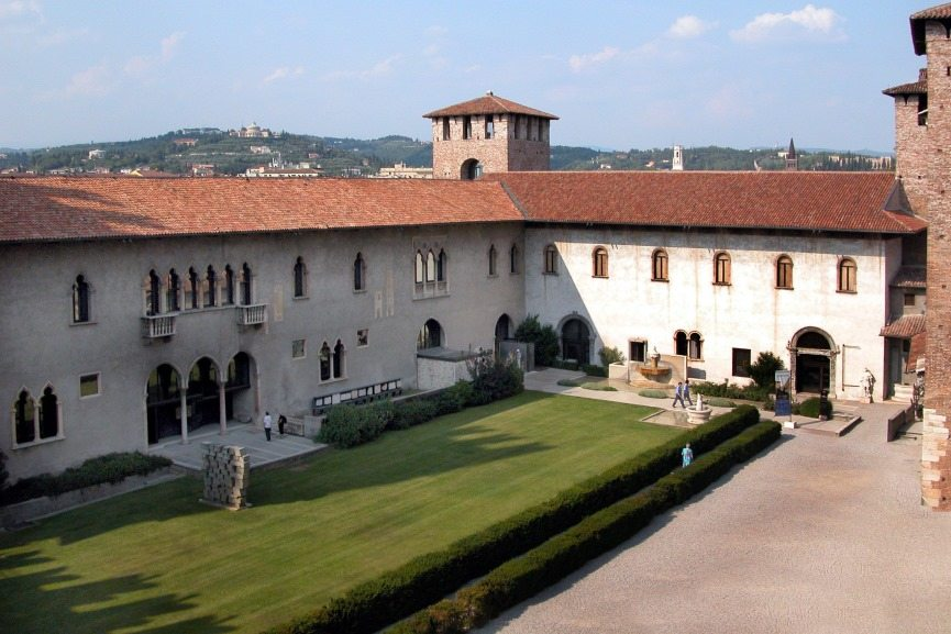 Armed Robbers Stole 17 Rare Paintings from Museo di Castelvecchio in Verona, Italy