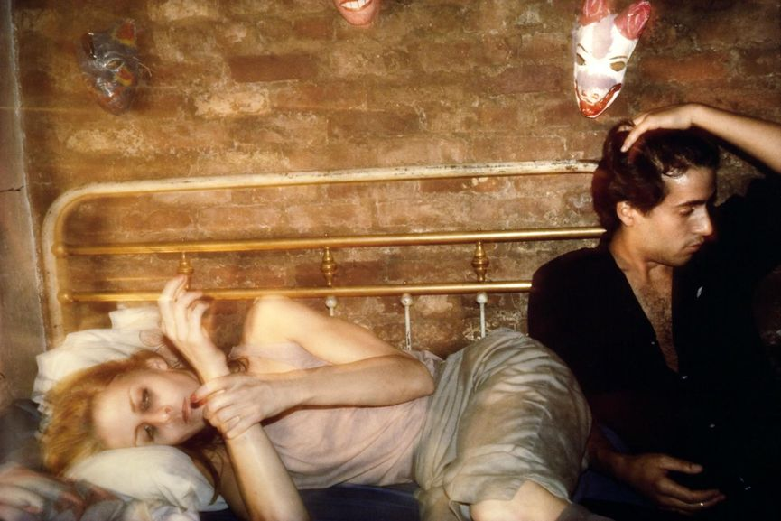 Nan Goldin - Greer and Robert on the bed, New York City, 1982,