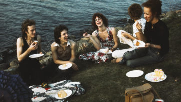 Nan Goldin - Picnic on the Esplanade, Boston, 1973