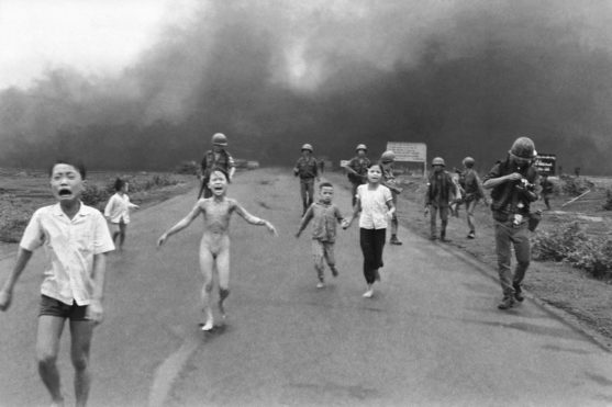an analysis of a controversial photo take during the bombing of trang bang in 1972