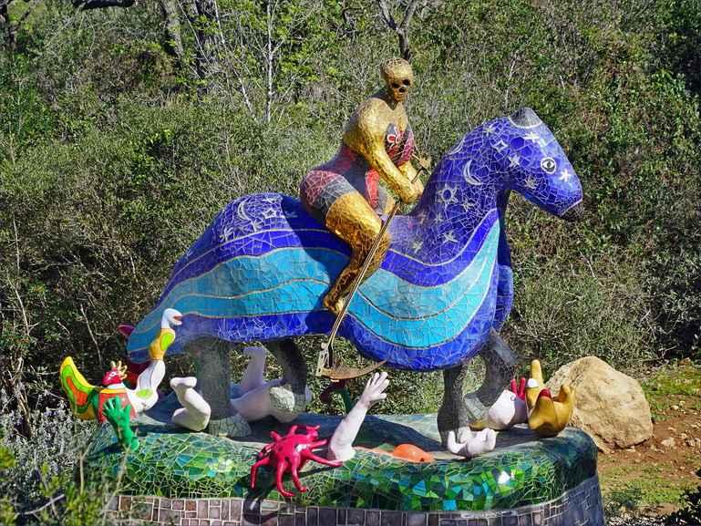 Niki de Saint Phalle – Death at giardino dei tarocchi capalbio italy