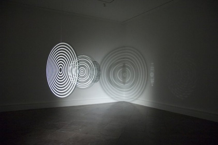 Olafur Eliasson - Triple ripple, 2004