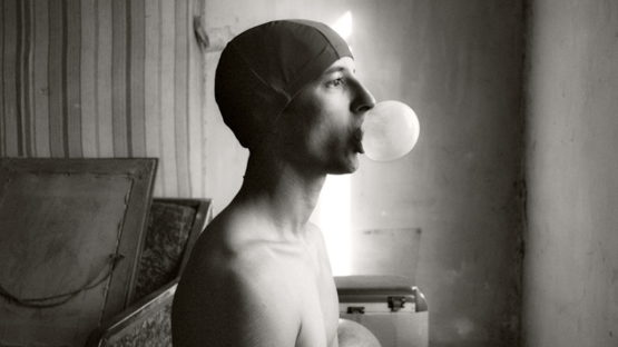 Olivier Valsecchi - Selfportrait with bubble, 2009 (detail)
