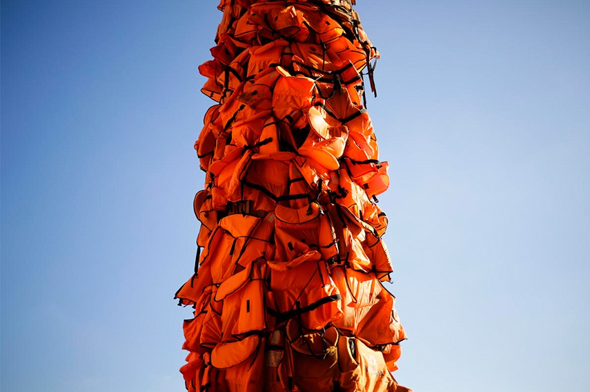 One of the pillars from Berlin's Konzerthaus, covered with the used life jackets