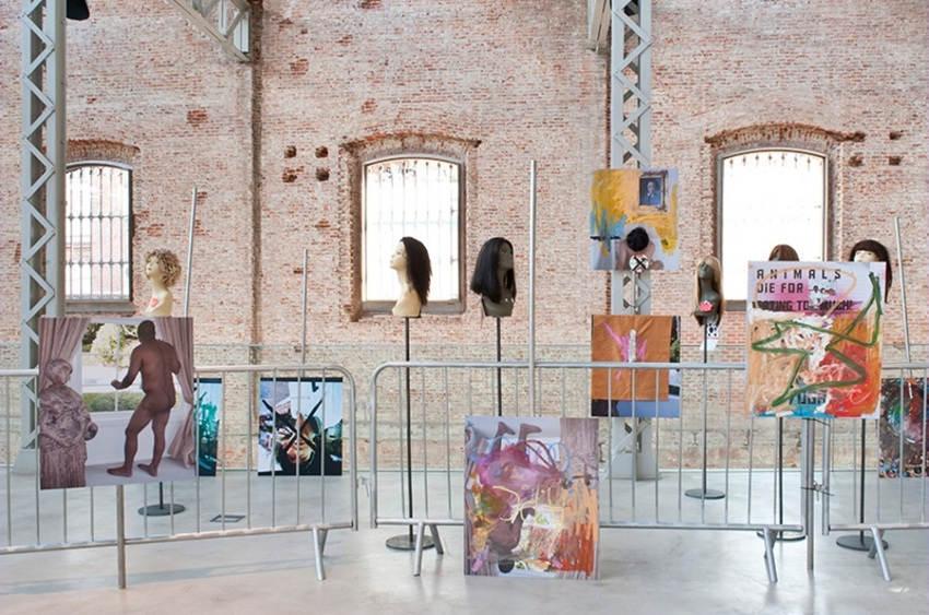 Oscar - De Marcha ... Una Rumba No, sólo un desfile con ética y estética, 2015, instalation view at Centro Cultural Daoíz y Velarde, Madrid, image courtesy of Calrlos-Ishikawa