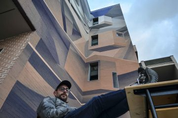 Peeta Delivers an Amazing New Mural to a High School in Agropoli