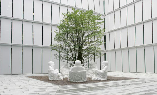 Peter Regli - Reality Hacking No. 222, Pricewaterhouse-Coopers, Zurich, Switzerland, 2005, installation view, photo credits - artist, sculpture