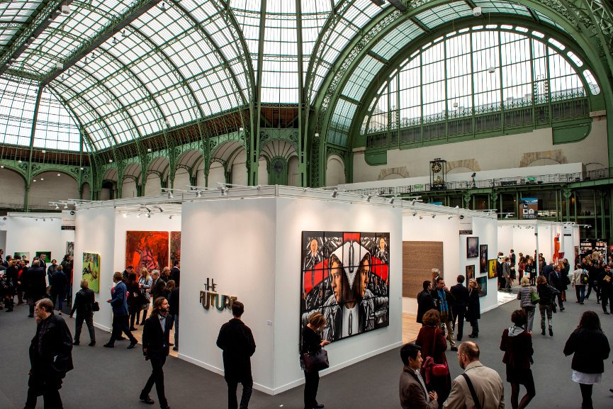 Picture of a Spacious Art Fair - Image via pinterestcom
