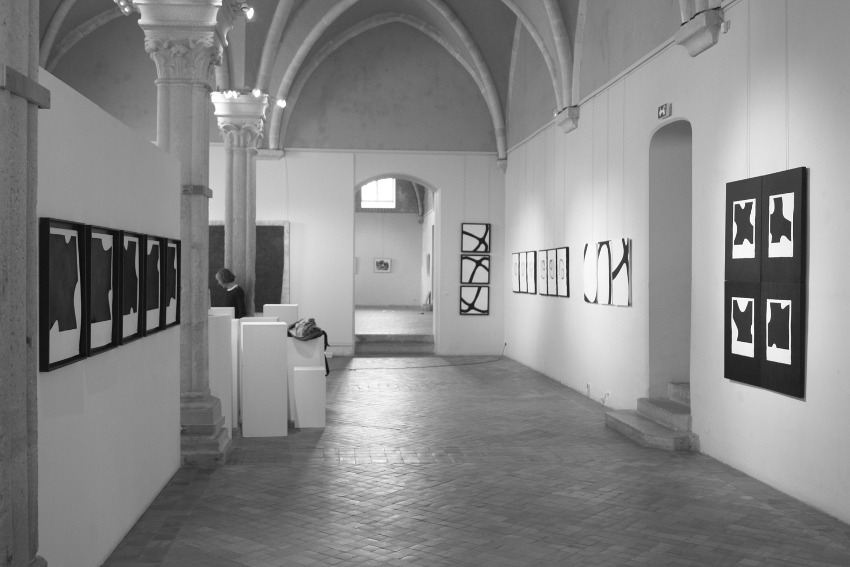 pierre muckensturm installation view at musee bossuet meaux france