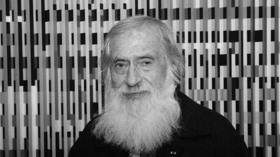 Jakov Agam Portrait-of-Yaacov-Agam-image-courtesy-of-Michel-Lunardelli-555x312