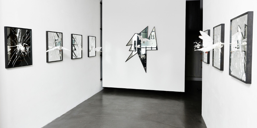 Pryce Lee - Ceasefire, 2015 - installation view at The Garage, photo credits Rene Mesman