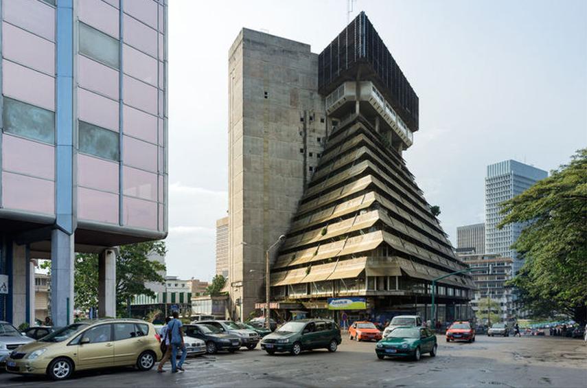 Rinaldo Olivieri, La Pyramide, 1973, Abidjan (Côte d'Ivoire). Photo © Iwan Baan.