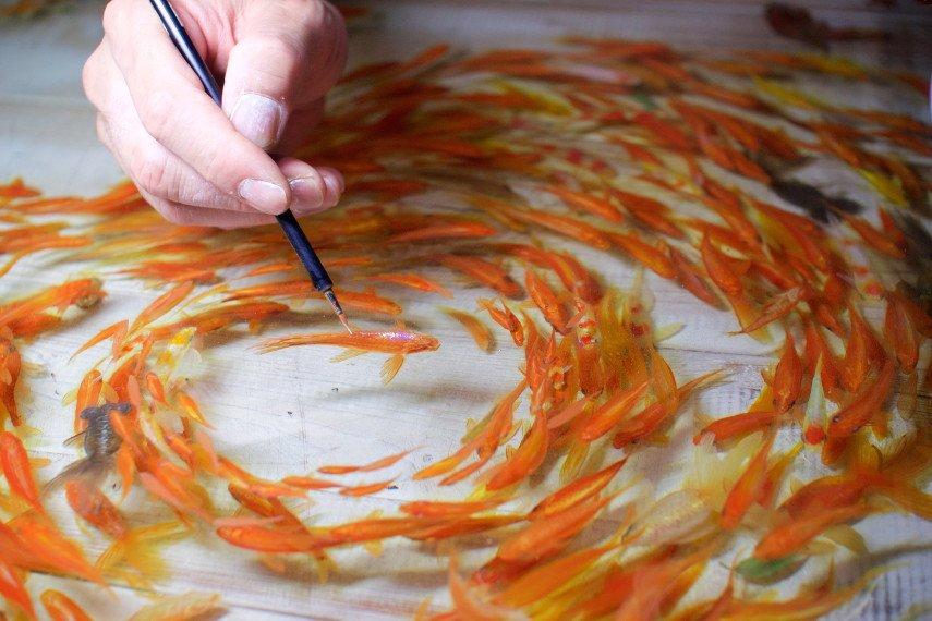 The artist Riusuke Fukahori's repetition art