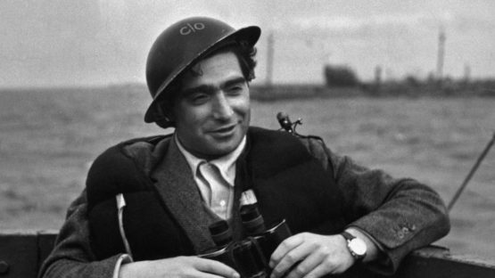 Robert Capa portrait - Copyright Magnum Photos picture photographers