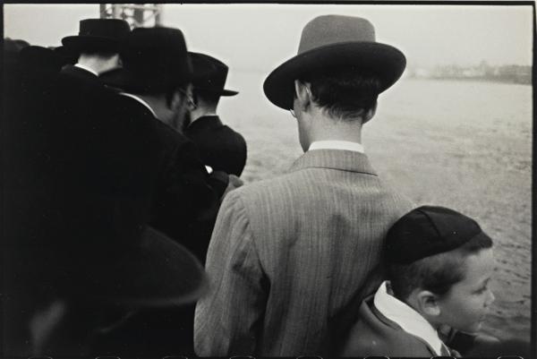 Robert Frank-Roshashona [Sic], New Year (Jewish) (Yom Kippur - East River, New York City)-1955