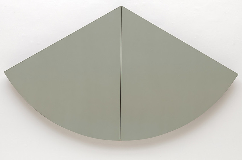 Robert Mangold - 1-3 Gray-Green Curved Area, 1966, he's an american who lives in new york, his works use terms of privacy