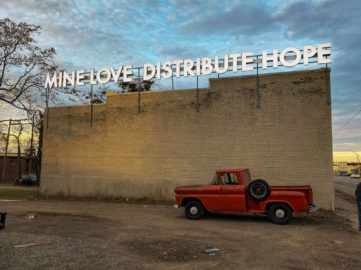 Robert Montgomery - Mine Love Distribute Hope by Justkids