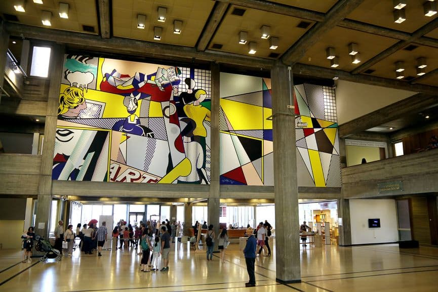 Roy Lichtenstein - Israel - Tel Aviv Museum of Art Mural, 1989; the life of figurative and abstract art