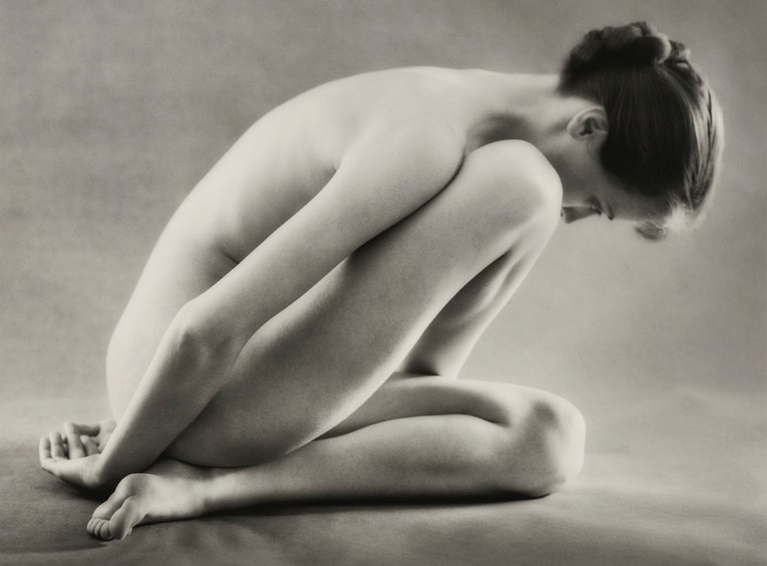 Ruth Bernhard-Folding-1962