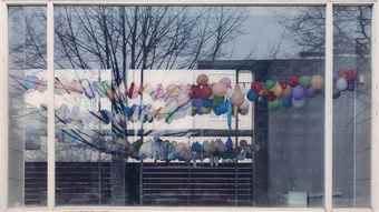 Sabine Hornig-Fenster IV (Balloons), Window IV (Balloons)-2001