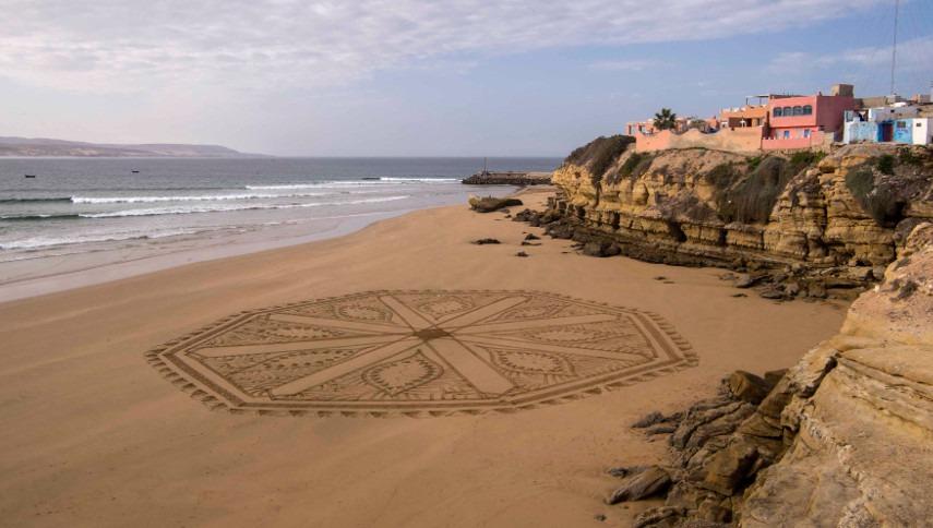 Sam Dougados - Aroof Sand Drawings