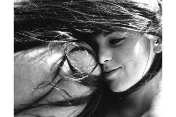 Women in Ecstasy - Erotic Portraits of Sanne Sannes at Kunsthal Rotterdam