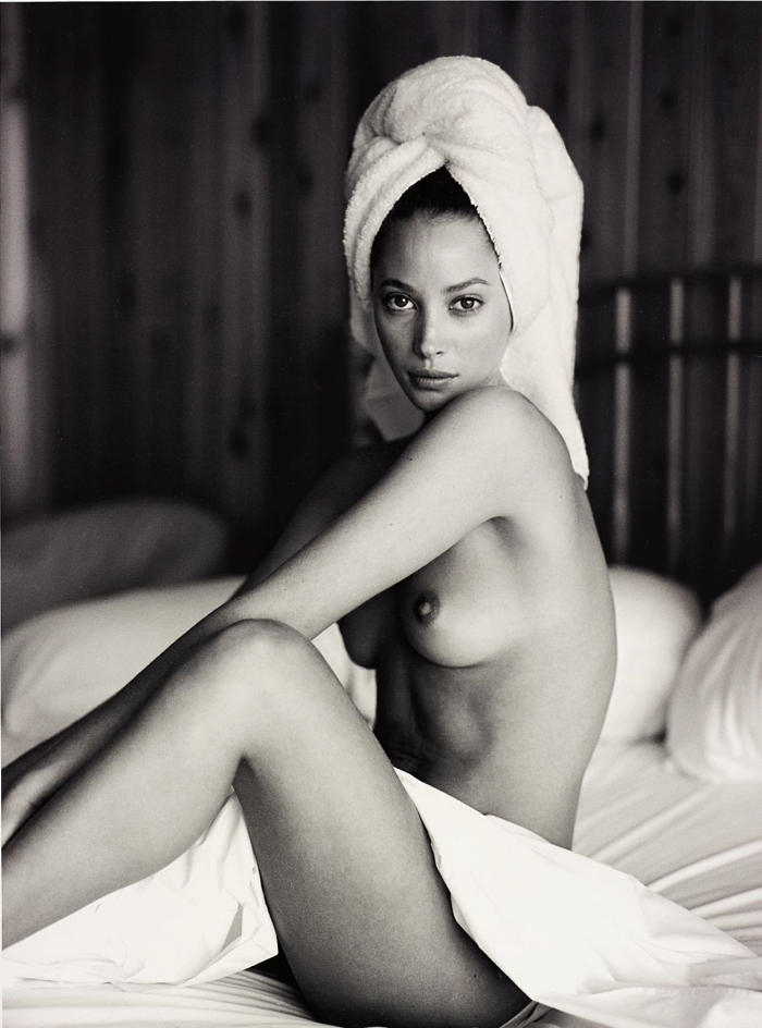 Sante D'Orazio-Christy Turlington with towel, Panoramic View Hotel, Montauk-1993